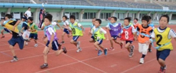 """초등학생이 건각 겨룬다 """"비백 무늬 옷 역전"""""""